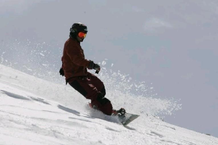 גולש סקי מקצועי נפצע במהלך גלישה בחרמון