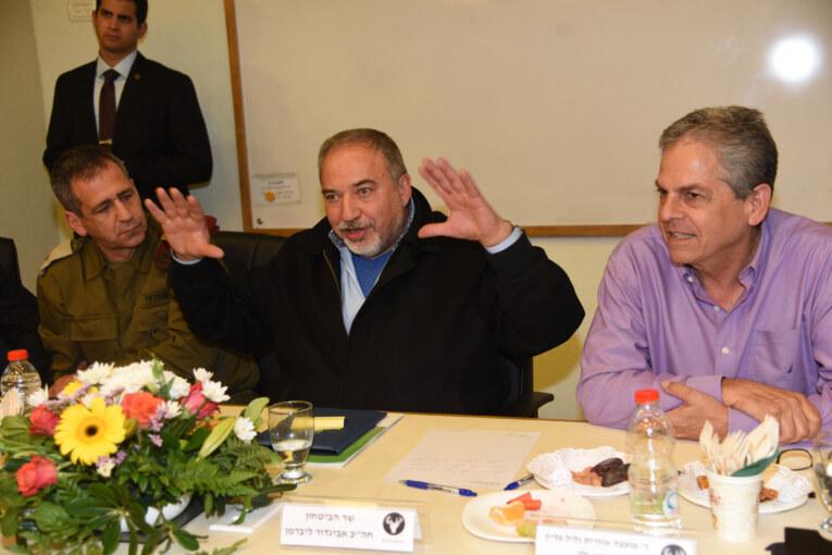 שר הביטחון ביקר בגליל העליון