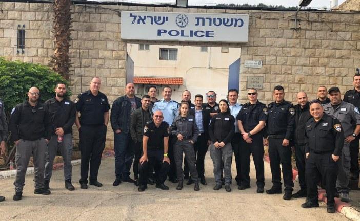 """ראש העיר אורח כבוד בתחנת המשטרה בקריית שמונה """"המשיכו להעניק תחושת ביטחון לתושבים"""""""