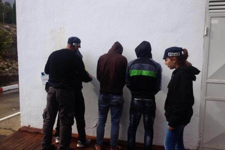 נעצרו שבעים ושניים שוהים בלתי חוקיים ומעסיקיהם