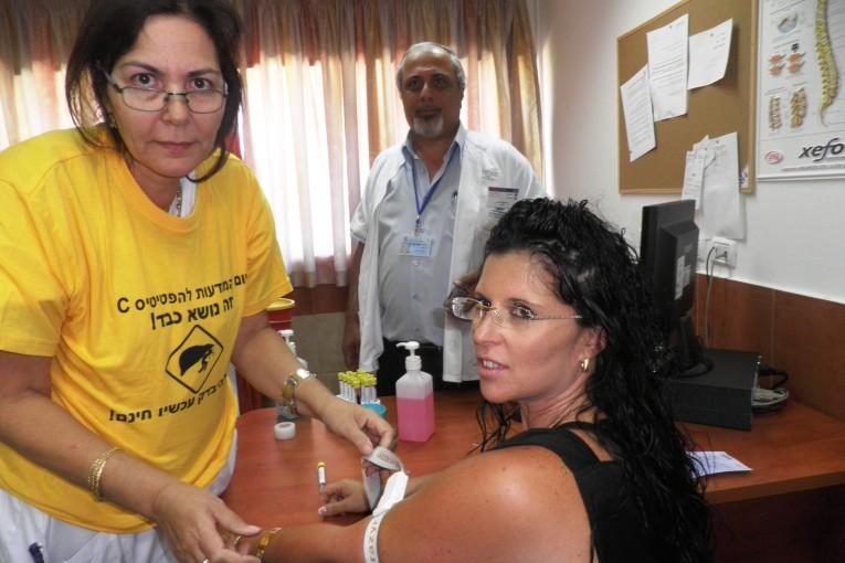 עשרות נבדקו לגילוי מוקדם  של מחלת ההפטיטיס