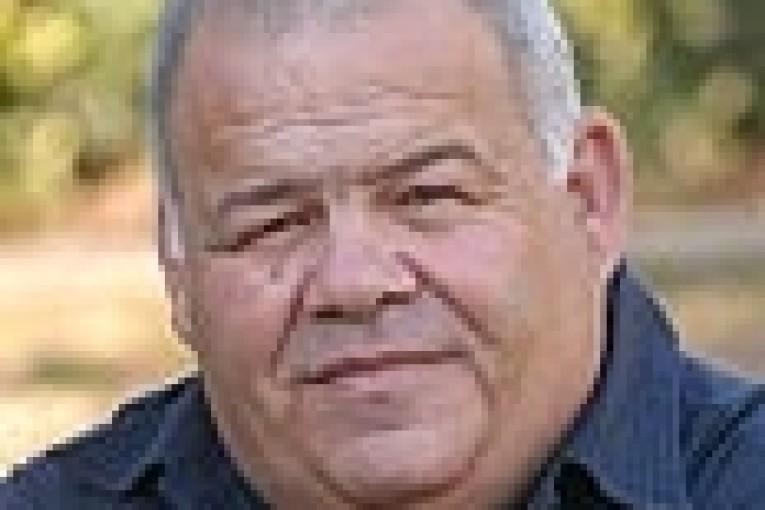 חמש עלינו – פרוספר אזרן ראש העיר, לשעבר