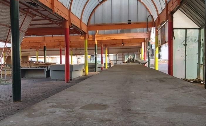 העירייה סגרה את השוק תוך שהיא רוכבת על הקורונה